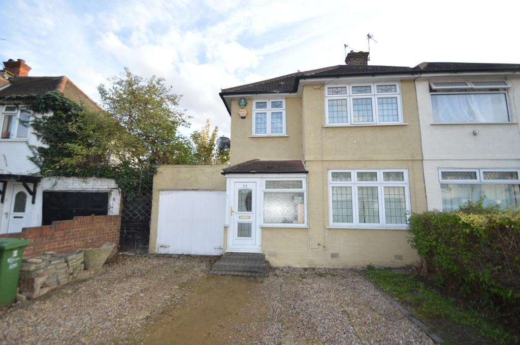 3 Bedrooms End Of Terrace House for sale in Orchard Road, Dagenham