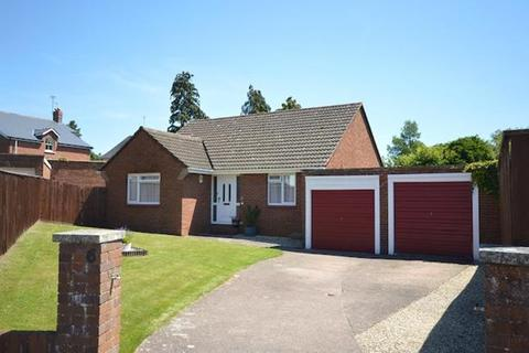 2 bedroom bungalow to rent - St Leonards - Spacious 2 Bed Detached Bungalow. Available 1st December 2018