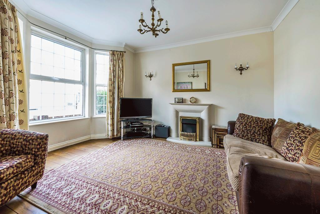 3 Bedrooms Terraced House for sale in Aylmer Road, Leytonstone