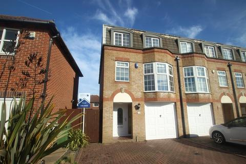 3 bedroom end of terrace house to rent - Blenheim Drive, Rustington