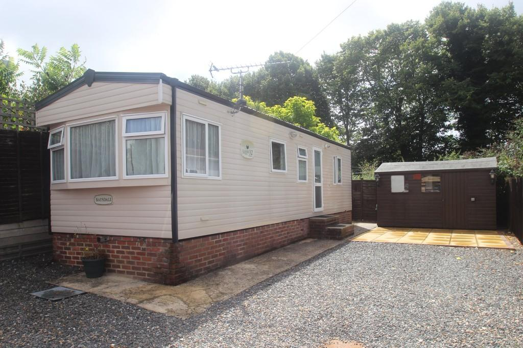 2 Bedrooms Mobile Home for sale in Dinsdale Field, Rustington