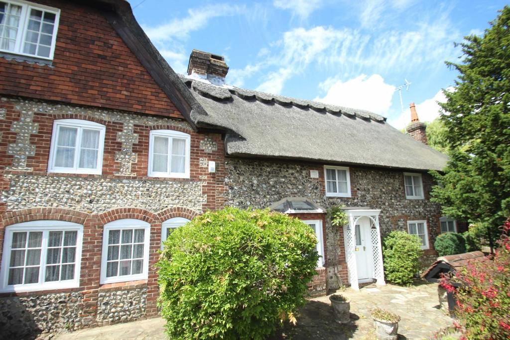 3 Bedrooms Semi Detached House for sale in Sea Lane, Rustington