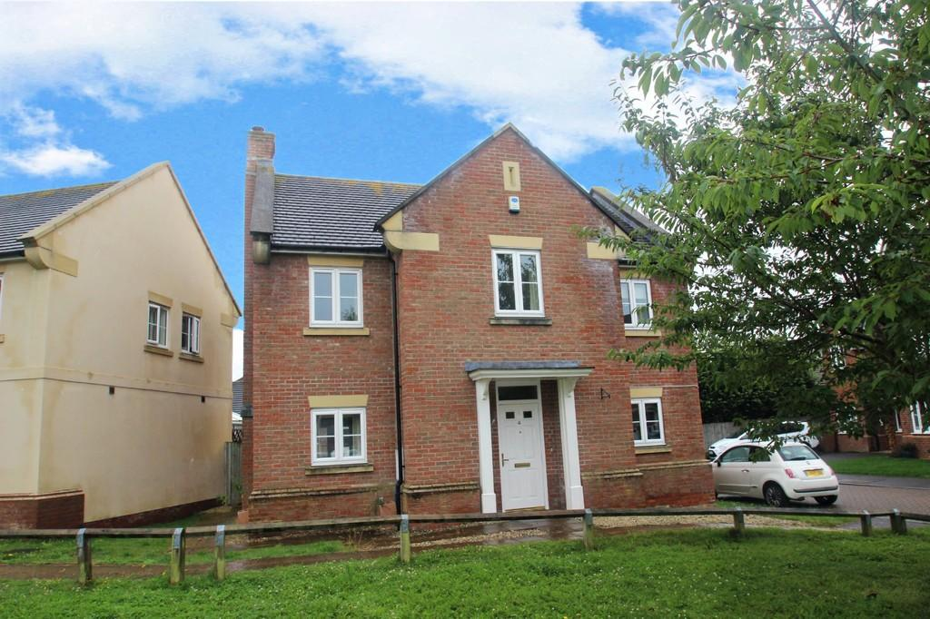 4 Bedrooms Detached House for sale in Highdown Close, Angmering