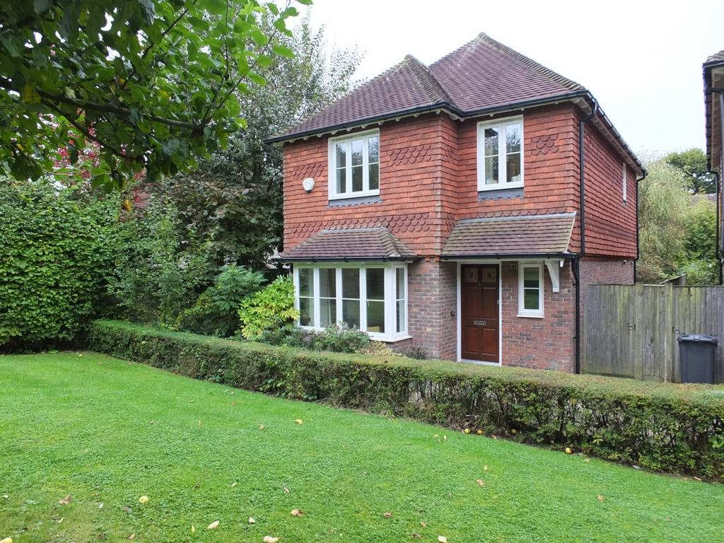 3 Bedrooms House for sale in Tall Oaks, Lindfield, RH16