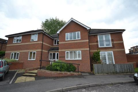 2 bedroom apartment to rent - Emmer Green