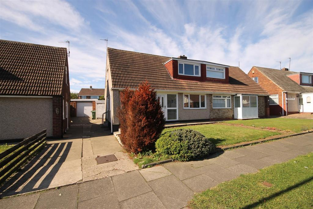 3 Bedrooms Semi Detached Bungalow for sale in Swalebrooke Avenue, Brooke Estate, Hartlepool