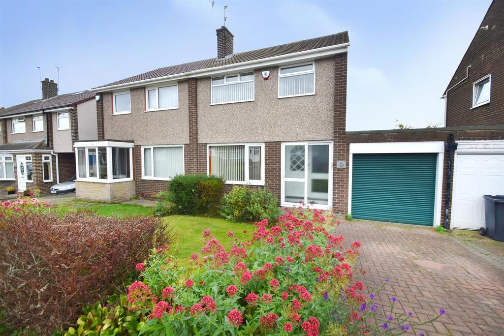 3 Bedrooms Semi Detached House for sale in Tudor Avenue, North Shields