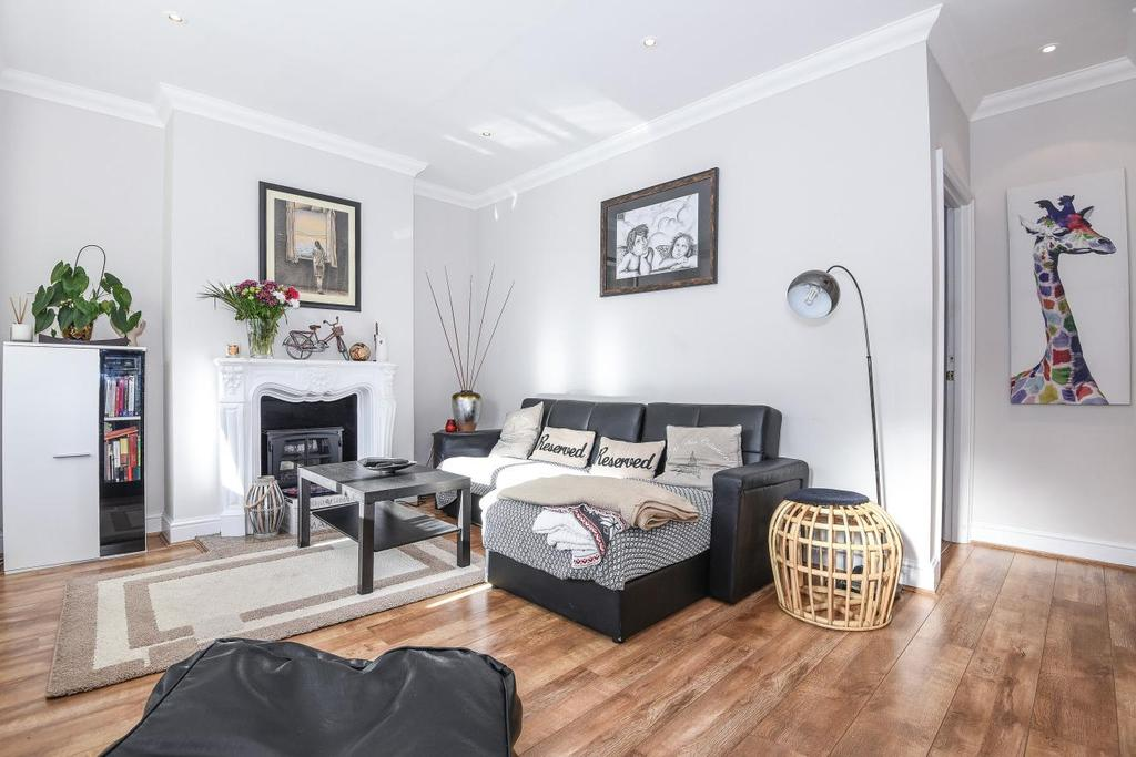 3 Bedrooms Terraced House for sale in Phyllis Avenue, New Malden