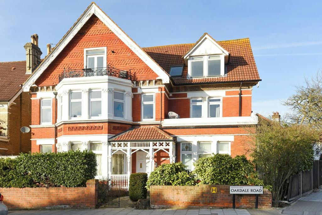 2 Bedrooms Flat for sale in Oakdale Road, Streatham