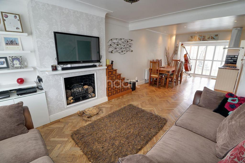 3 Bedrooms Terraced House for sale in Harrow Avenue, Enfield, EN1
