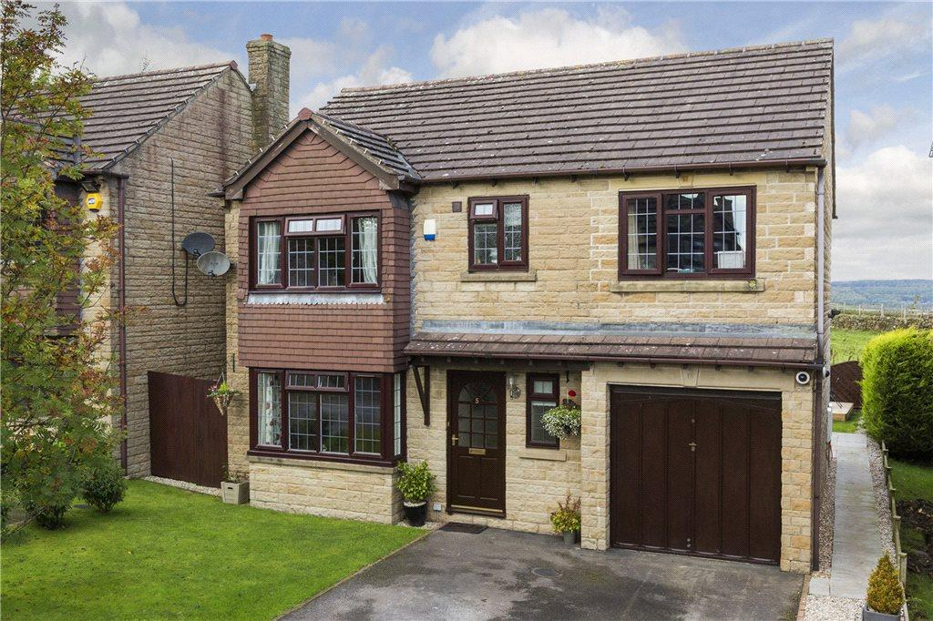 4 Bedrooms Detached House for sale in St. Matthews Close, Wilsden, West Yorkshire