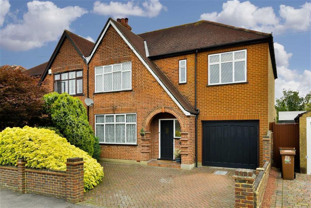 4 Bedrooms Semi Detached House for sale in Grandison Road, Worcester Park, Surrey