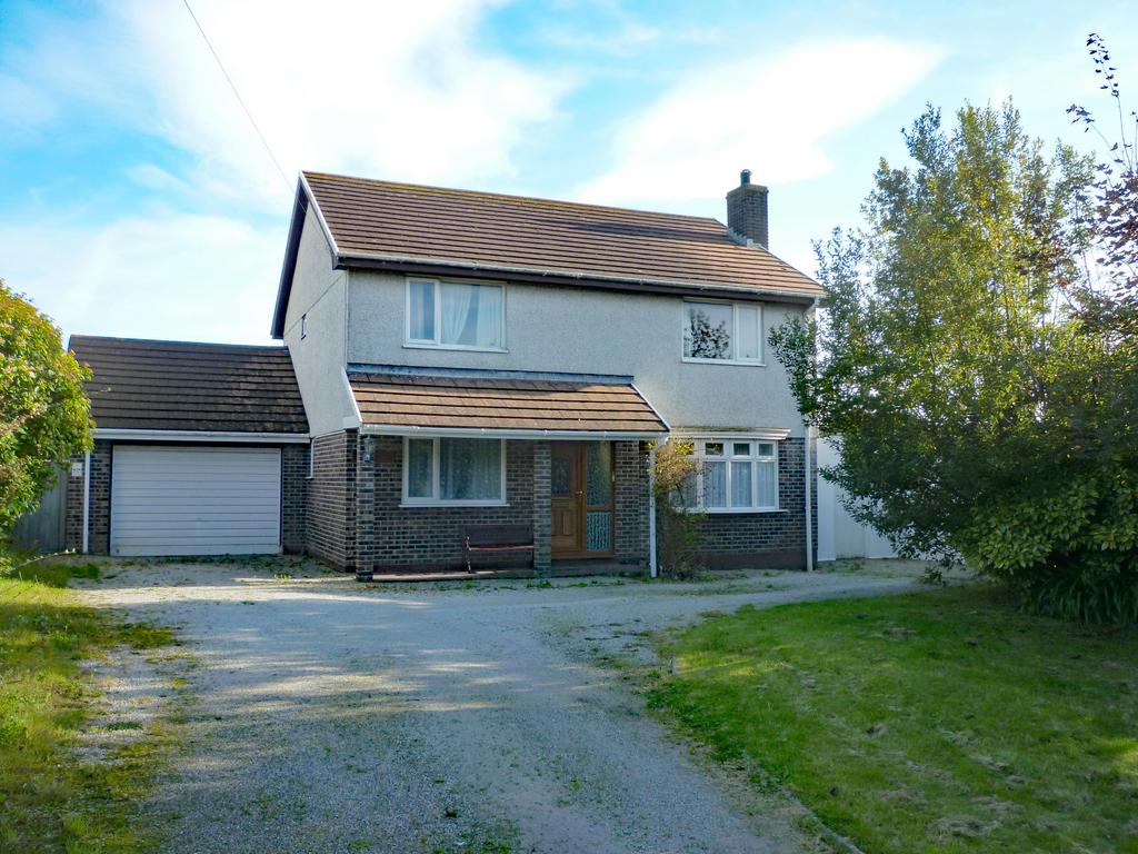 4 Bedrooms Detached House for sale in Perranwell Road, Goonhavern, Truro TR4