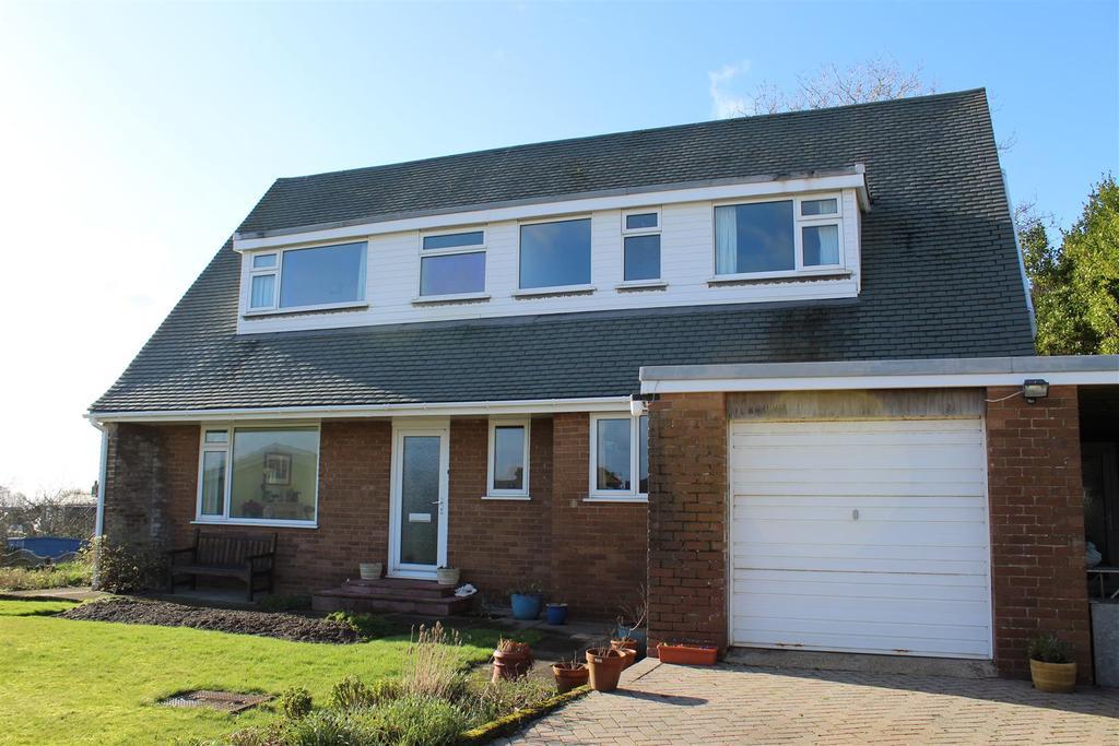 5 Bedrooms Detached House for sale in Hillcrest, Langland