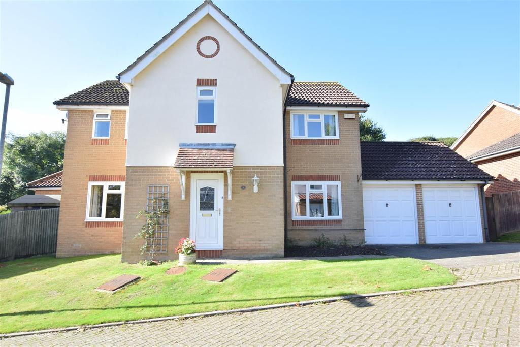 4 Bedrooms Detached House for sale in Radnor Mews, St. Leonards-On-Sea