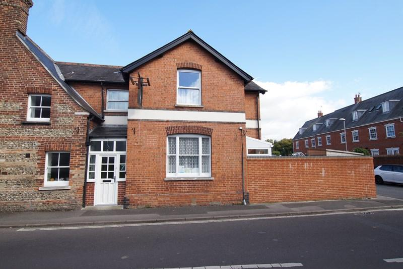 2 Bedrooms End Of Terrace House for sale in Damory Court Street, Blandford Forum