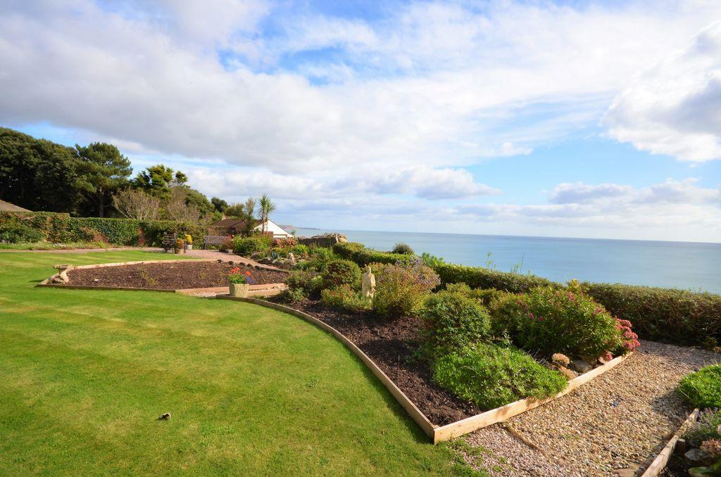 1 Bedroom Flat for sale in Exeter Road, Dawlish, EX7