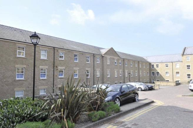 2 Bedrooms Apartment Flat for rent in STONELEIGH COURT, LEEDS, WEST YORKSHIRE