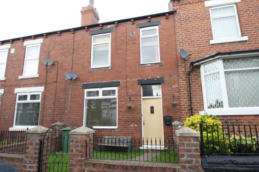 3 Bedrooms Terraced House for sale in COUPLAND ROAD, GARFORTH, LS25 1AD