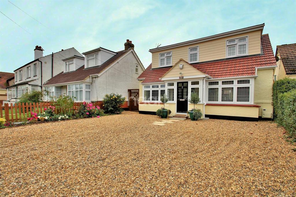 3 Bedrooms Detached House for sale in Coppins Road