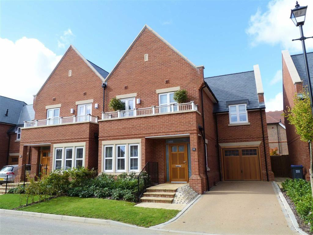 4 Bedrooms Semi Detached House for sale in Butterwick Way, Welwyn Village