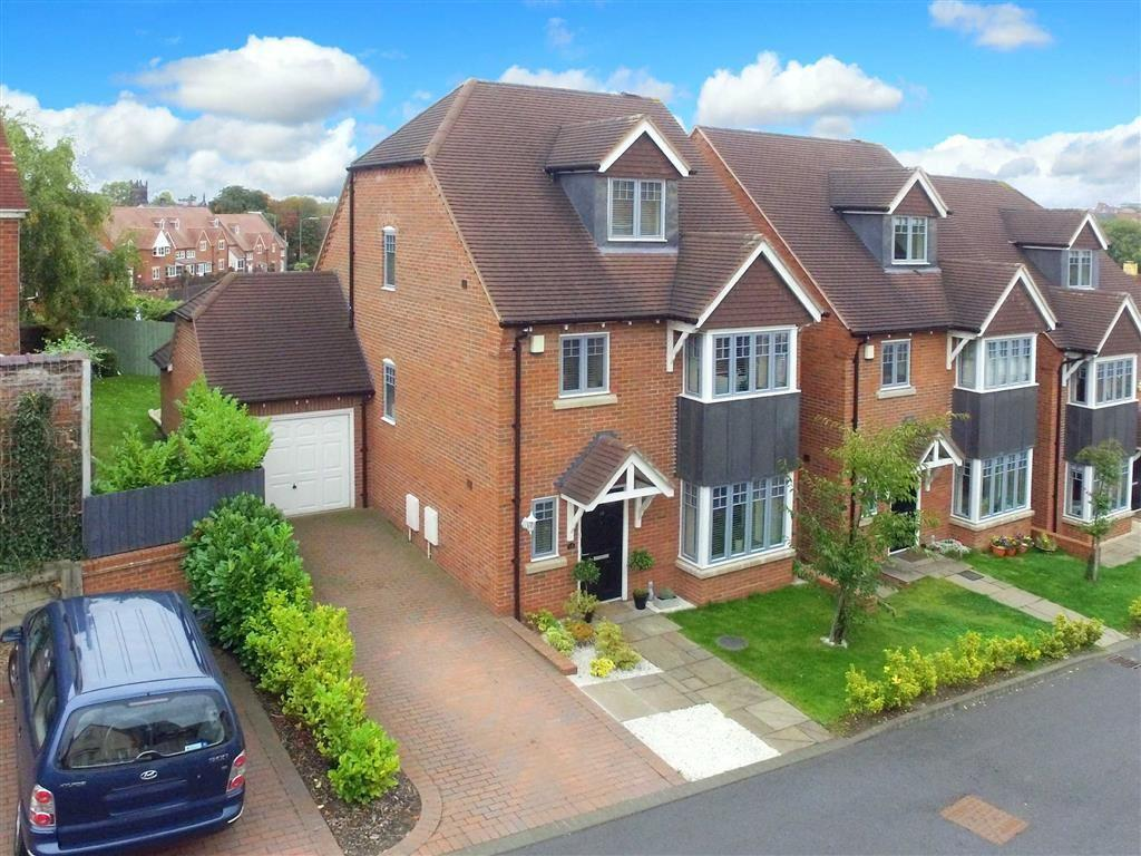 4 Bedrooms Detached House for sale in Tudor Gate, Copthorne, Shrewsbury, Shropshire