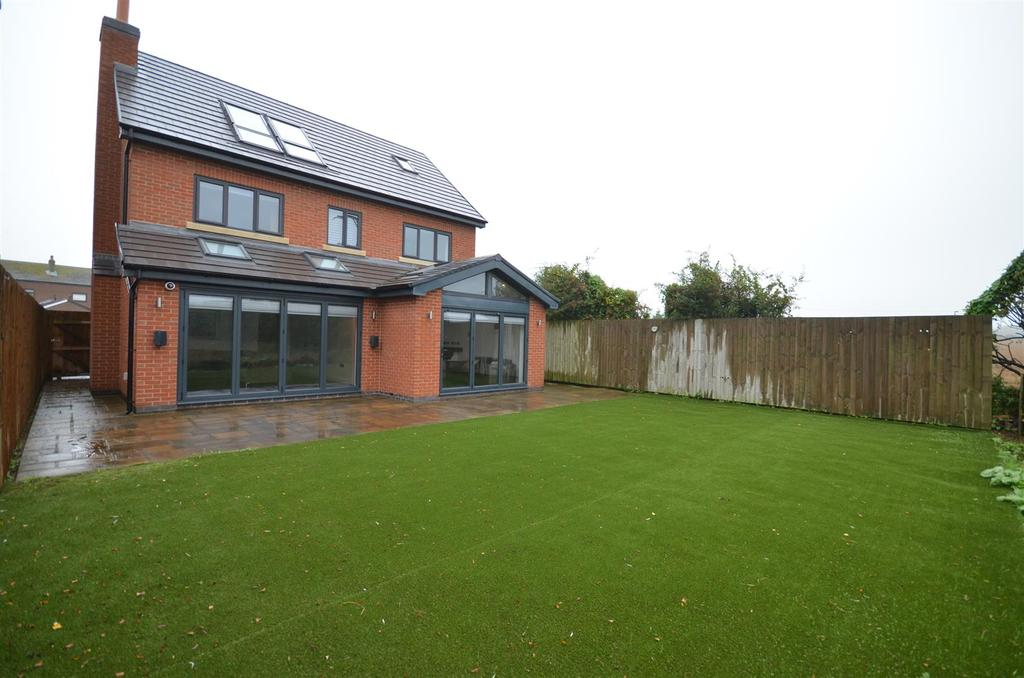 5 Bedrooms Detached House for sale in Crawford