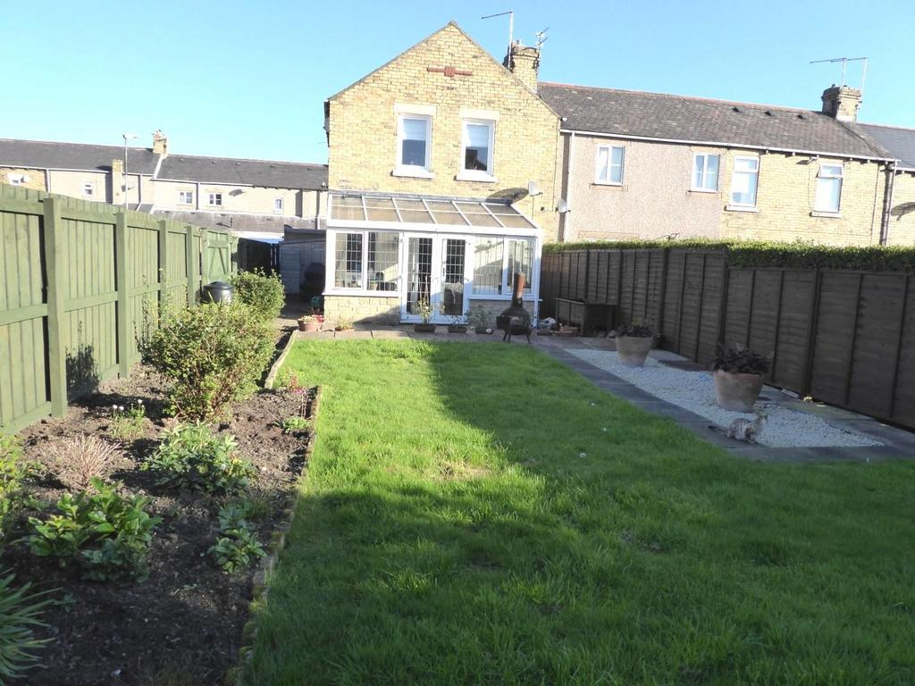 3 Bedrooms End Of Terrace House for sale in Guildford Square, Lynemouth, Morpeth