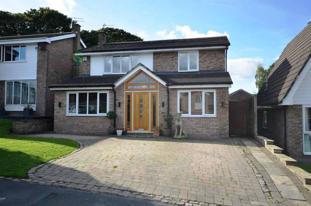 4 Bedrooms Detached House for sale in Robert Moffat, High Legh, Knutsford