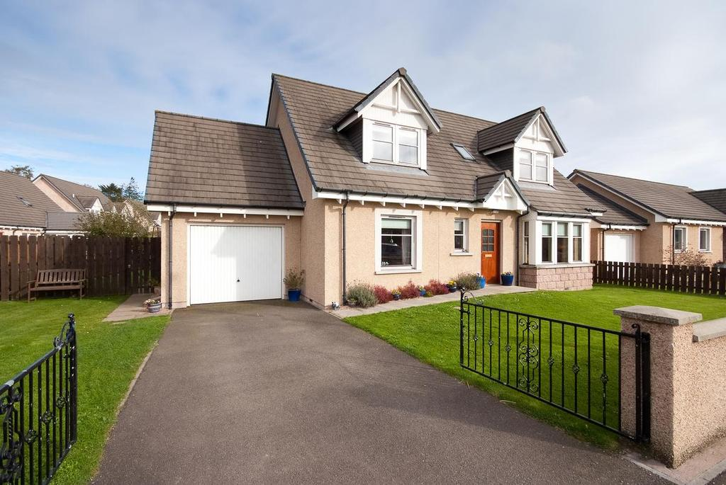 4 Bedrooms Detached House for sale in 3 Castle Gardens, Edzell, Angus, DD9