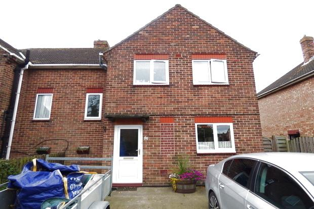 3 Bedrooms Semi Detached House for sale in St. Bernards Avenue, Louth, LN11
