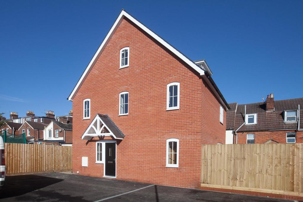 3 Bedrooms Detached House for sale in Coldharbour Lane, Salisbury