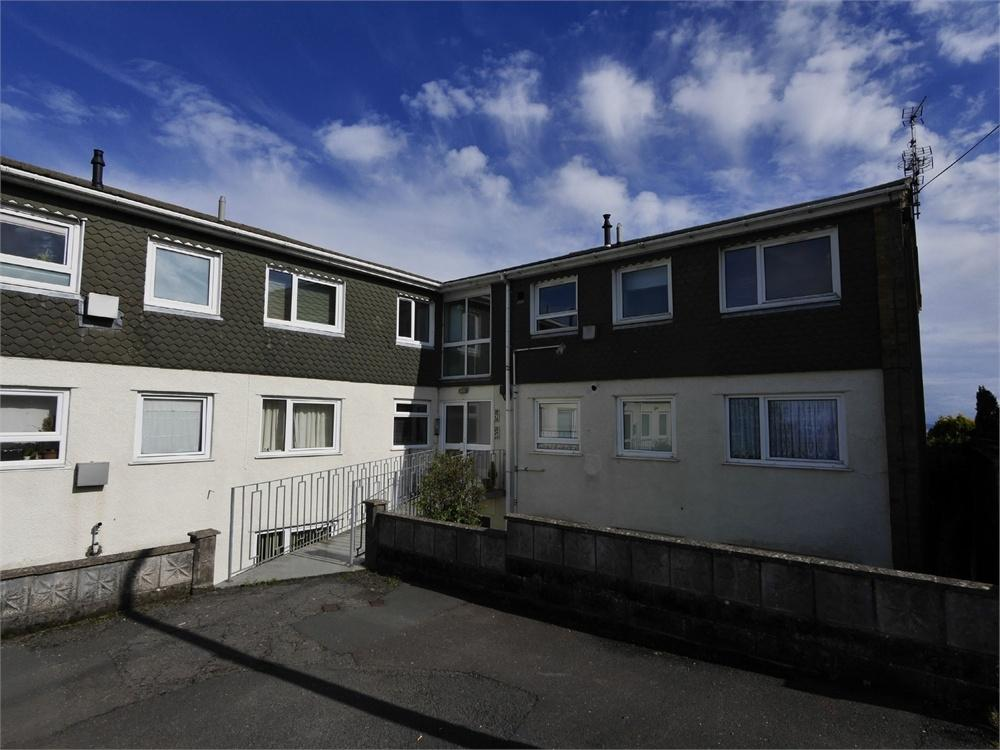 2 Bedrooms Flat for sale in Uppercliff Close, Penarth