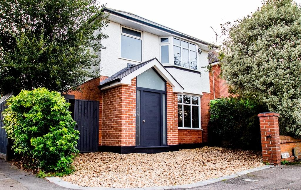 4 Bedrooms Detached House for sale in St Marks Catchment
