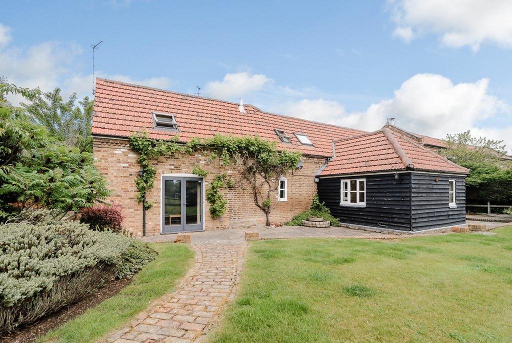 4 Bedrooms House for rent in St. Huberts Lane, Gerrards Cross, SL9