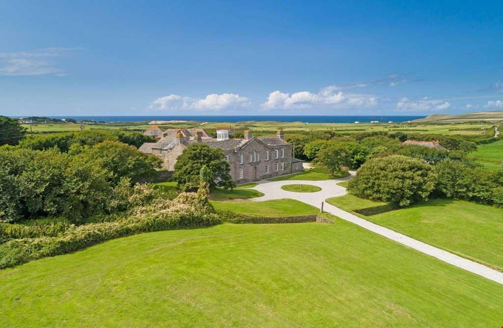 12 Bedrooms House for sale in Between Constantine Bay and Harlyn Bay, Nr. Padstow, North Cornwall, PL28