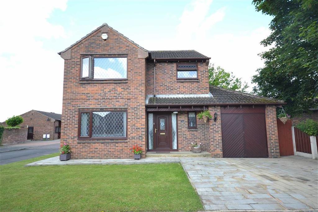 3 Bedrooms Detached House for sale in Park Lane, Kippax, Leeds, LS25