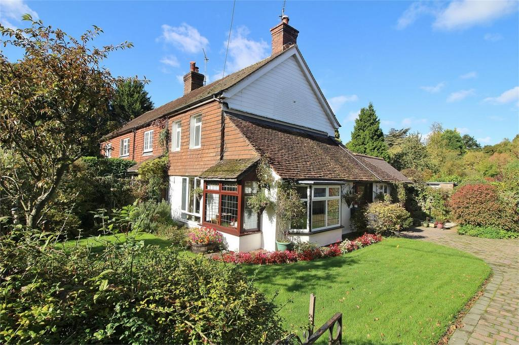 2 Bedrooms Semi Detached House for sale in Piltdown, Uckfield, East Sussex