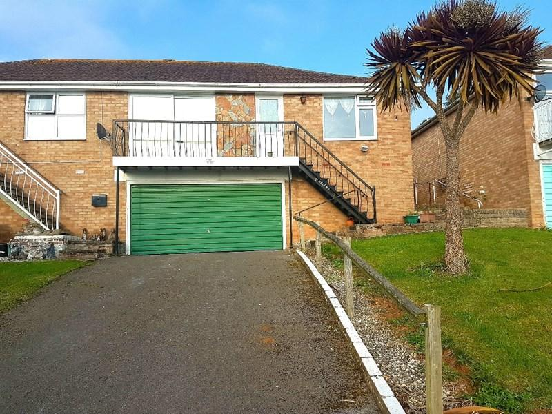 2 Bedrooms Semi Detached Bungalow for sale in Admirals Walk, Teignmouth