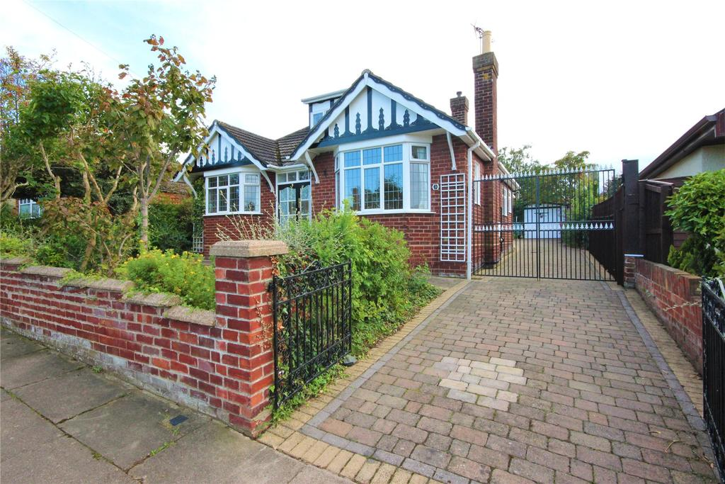 2 Bedrooms Detached Bungalow for sale in Thirkleby Crescent, Grimsby, DN32