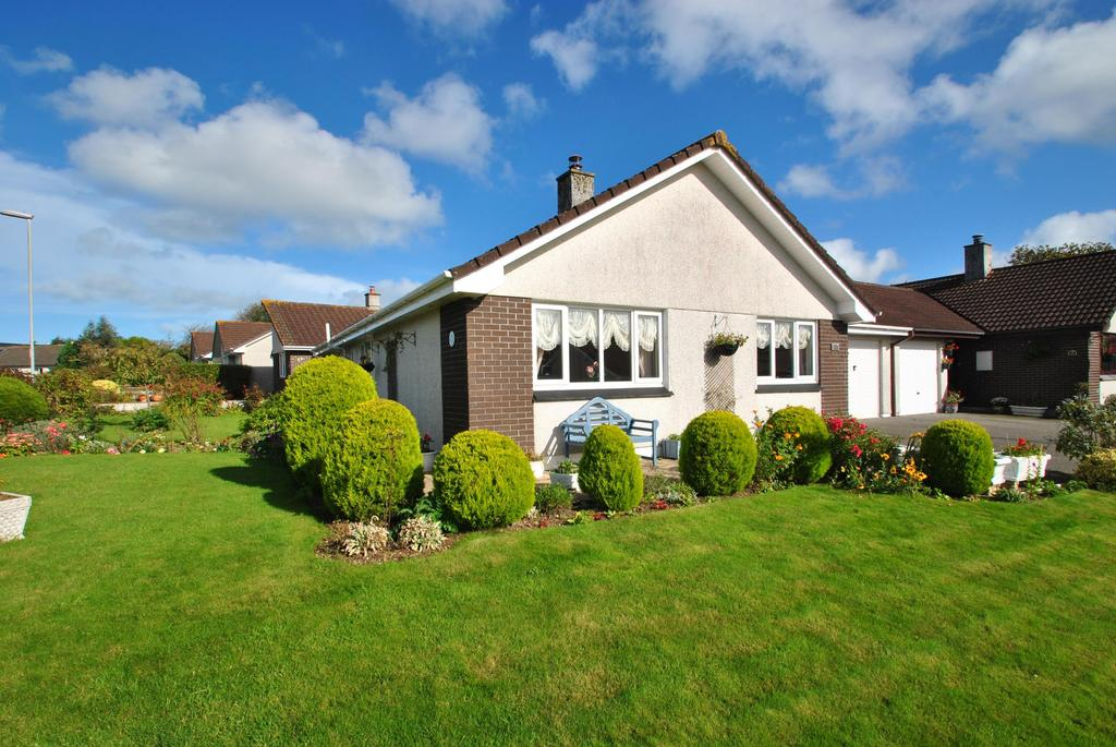 2 Bedrooms Detached Bungalow for sale in Trethiggey Crescent, Quintrell Downs