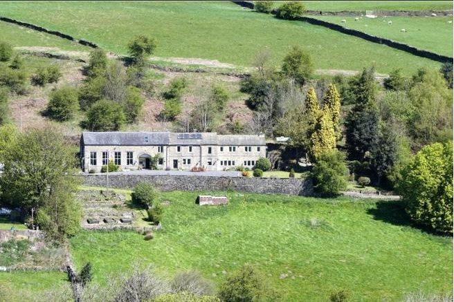 5 Bedrooms Unique Property for sale in Dean Lane, Oakworth, Keighley, West Yorkshire