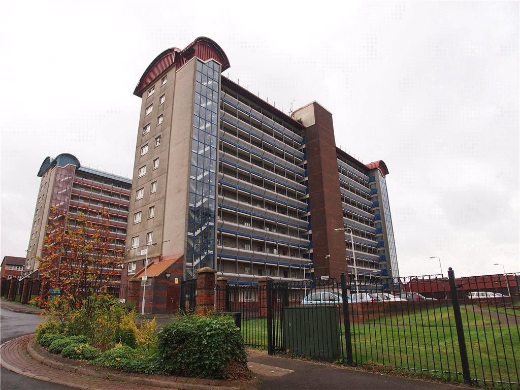 3 Bedrooms Apartment Flat for sale in Appleton Court, Appleton Way, Leeds, West Yorkshire