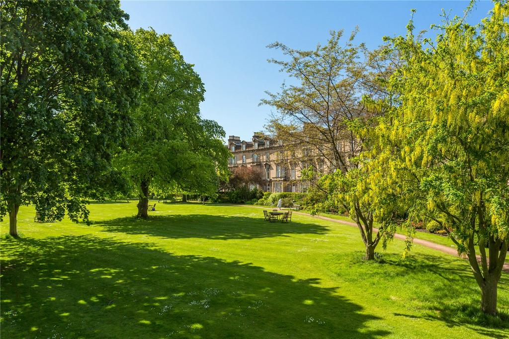 4 Bedrooms Flat for sale in Belgrave Crescent, Edinburgh