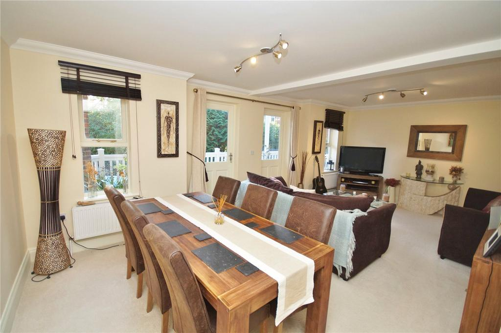 2 Bedrooms Flat for sale in McKinley Road, Westbourne, Bournemouth, BH4