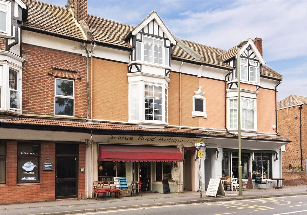 4 Bedrooms Maisonette Flat for sale in Bridge Road, East Molesey, Surrey, KT8