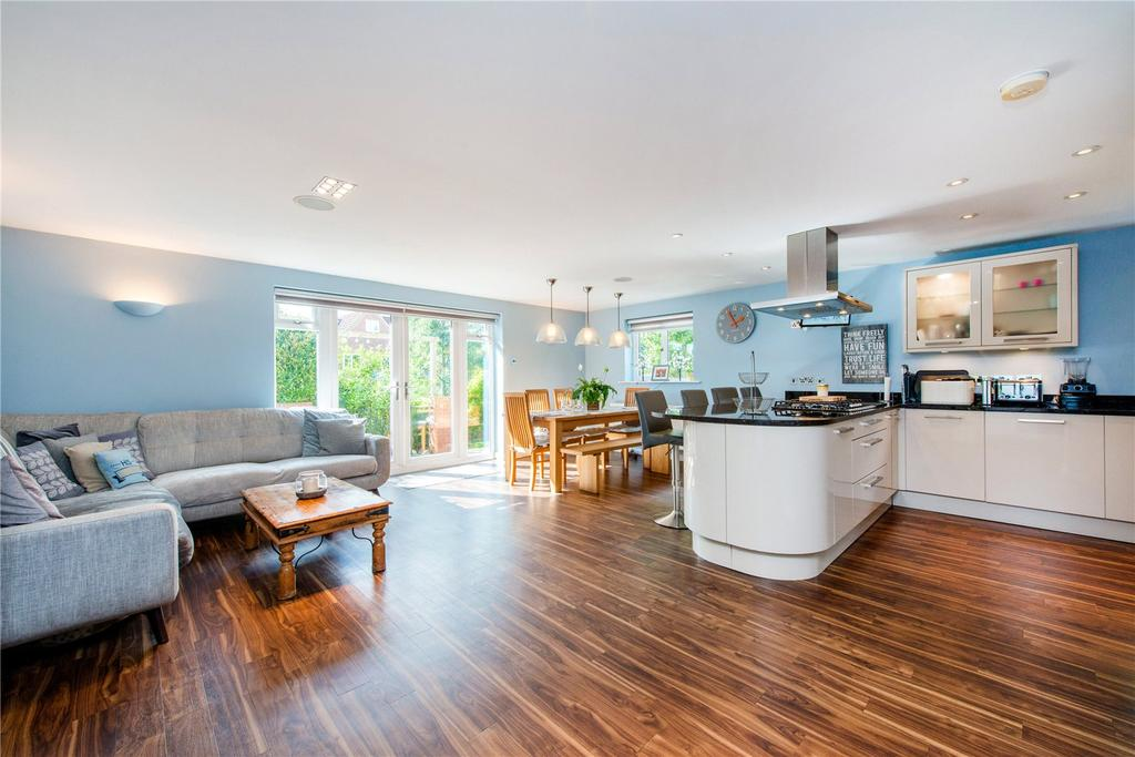 6 Bedrooms Detached House for sale in Thellusson Way, Rickmansworth, Hertfordshire, WD3