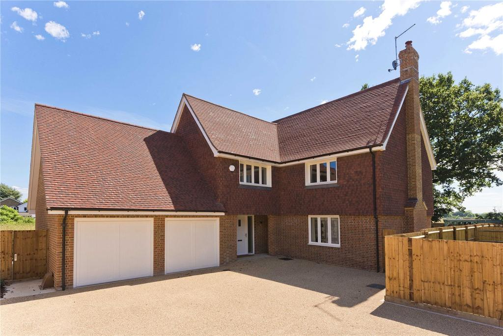 5 Bedrooms Detached House for sale in Malthouse Lane, Meath Green, Horley, Surrey, RH6