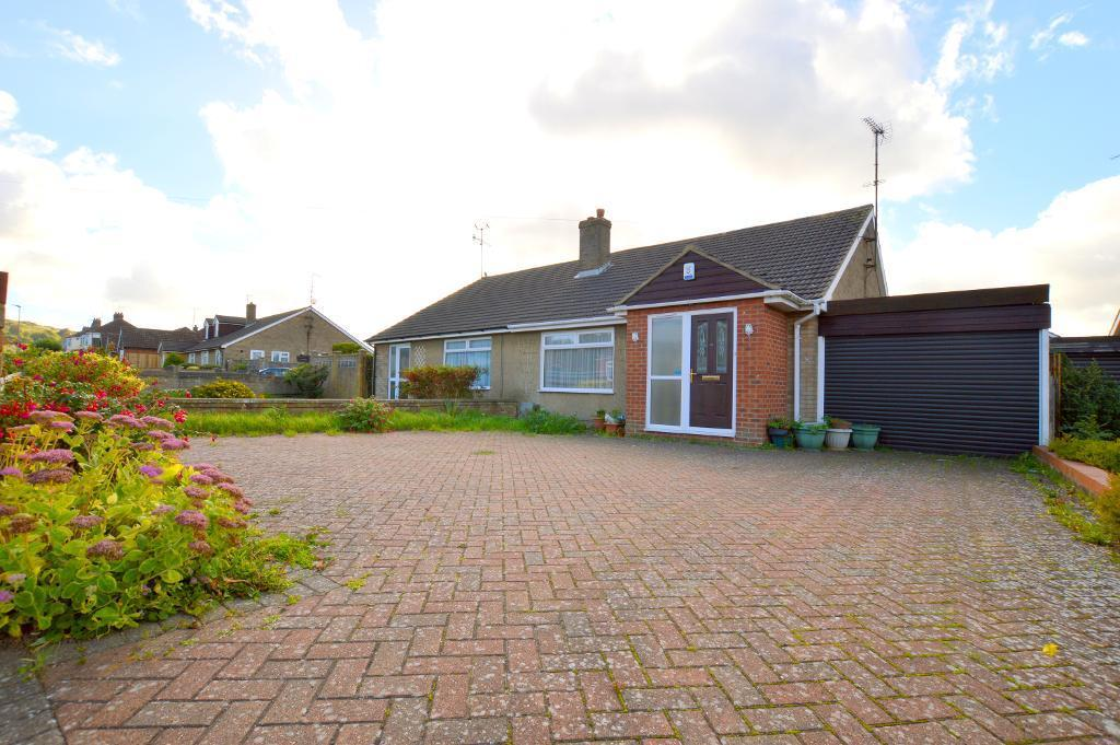 2 Bedrooms Bungalow for sale in Warden Hill Road, Luton, LU2 7AF