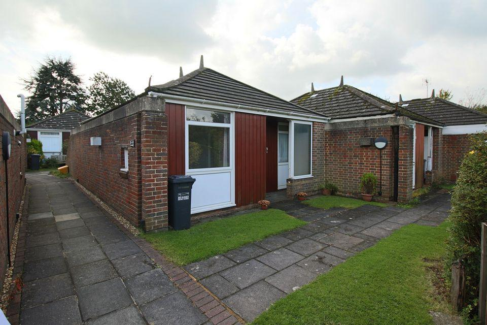 1 Bedroom Semi Detached Bungalow for sale in The Orchard, Hassocks, BN6 8HH
